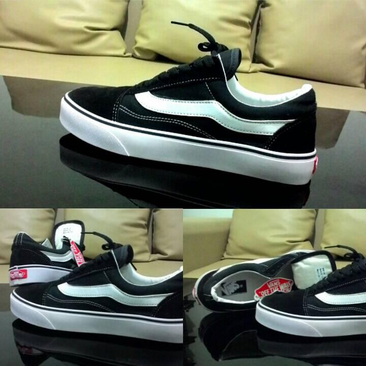 Jual Sepatu Sneakers Pria Terbaru Lazada co id Source · Jual Vans Old Skool BW Hitam