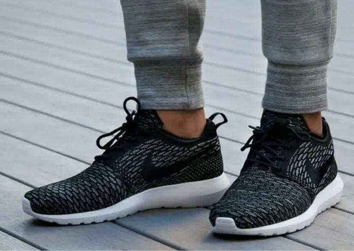 the best attitude 954be 3f5ce ... discount code for 40911613644x461nike roshe run hyperfuse triple black sepatu  harga sepatu 975c6 351da