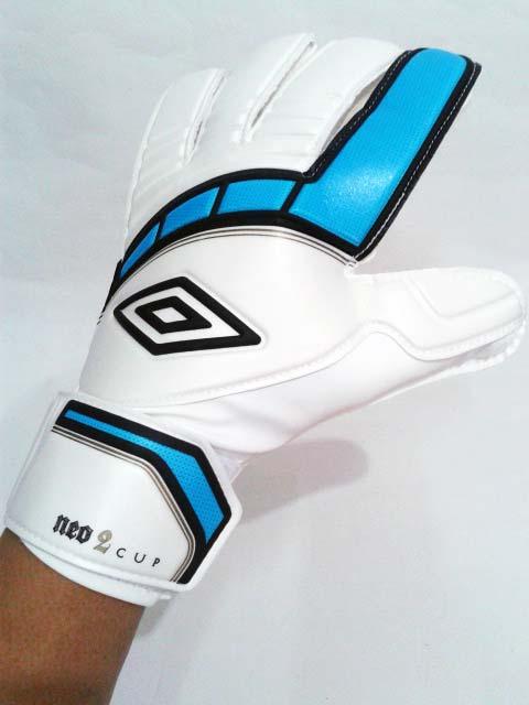 Jual Sarung Tangan Kiper Umbro Neo Cup Glove White Cyan Blue ...