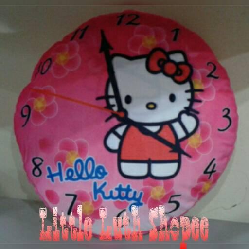 Bantal Hello Kitty Motif Jam Dinding