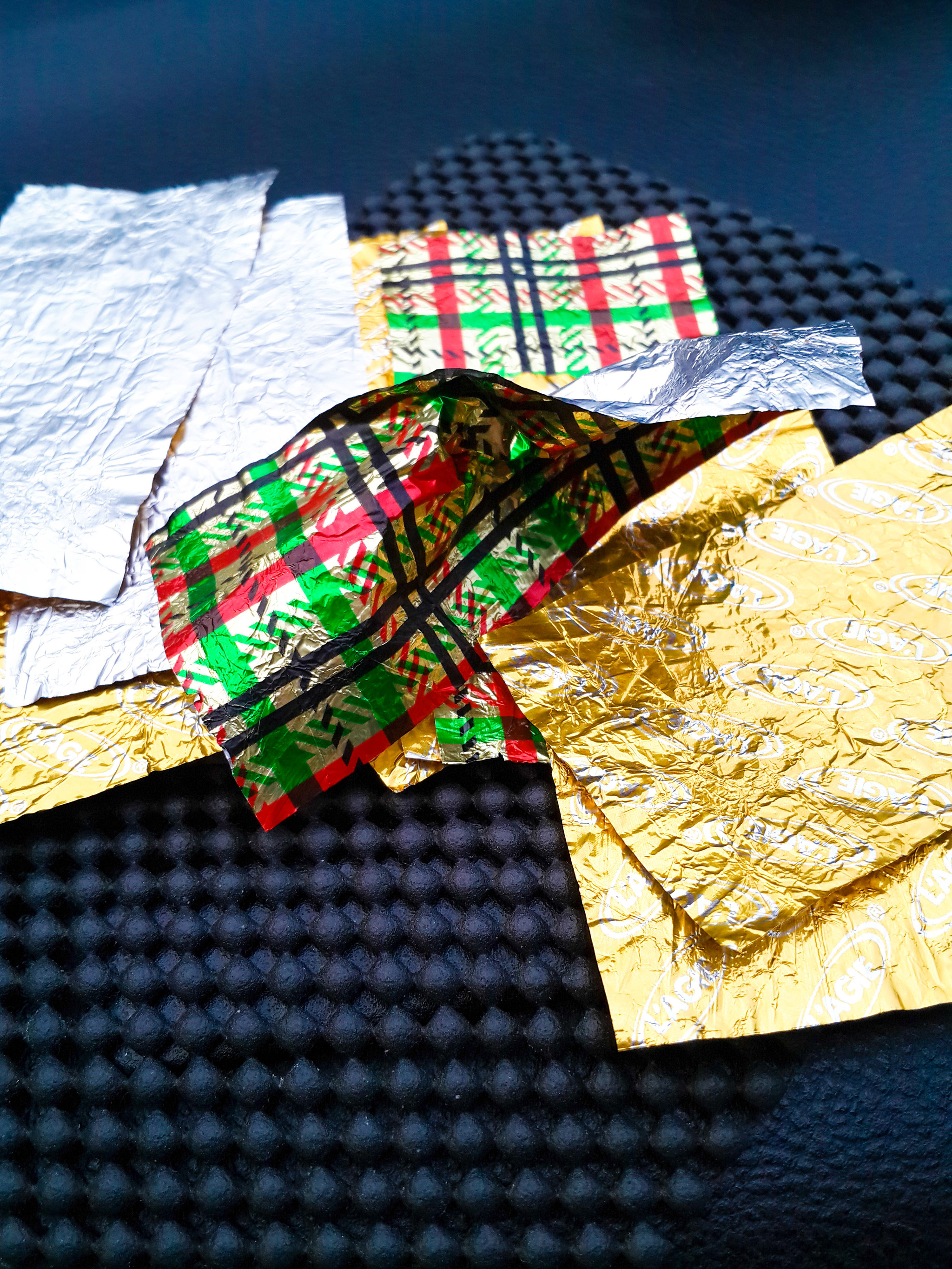 recycle wrapping paper The holiday experts at hgtvcom share instructions for creating a beautifully wrapped christmas gift using eco-friendly, repurposed materials.