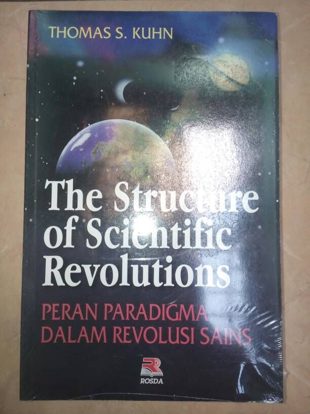 thomas kuhns structure of scientific revolutions essay Thomas s kuhn the structure of scientific revolutions 50th anniversary ed introductory essay by ian hackingchicago: university of chicago press, 2012 pp xlvi+217 $1500 (paper).