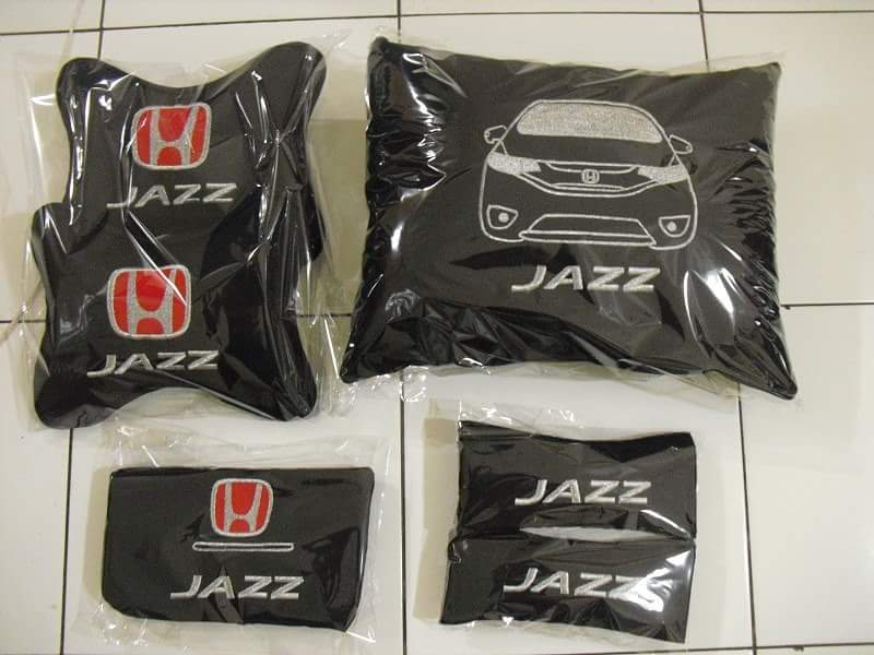 Bantal mobil Honda Jazz RS, car set mobil, pillow headrest mobil