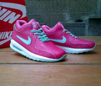 Jual Sepatu Olah Raga Wanita Nike High Warna Putih Rumah Grosir ef45506b0d