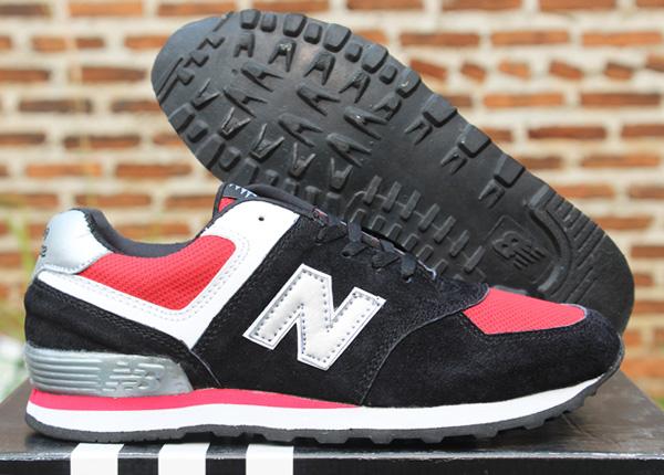Jual Sepatu Sekolah New Balance 574 Anak Hitam Merah (Running ... 61d56ebdfa
