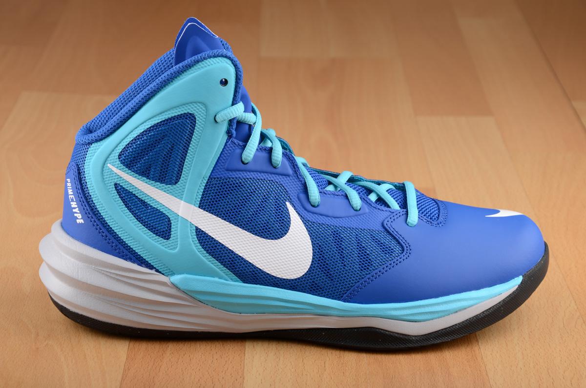 sepatu basket nike wanita
