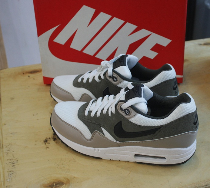 61a9fed6ed discount code for nike air max 1 essential jual c3545 9f04c