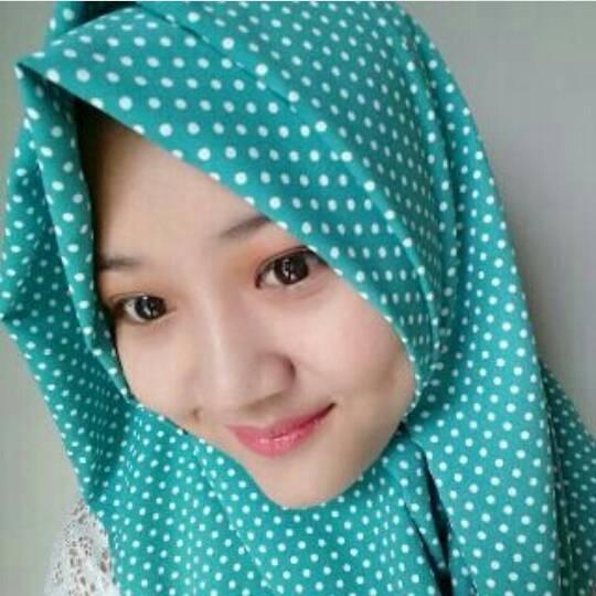 hijab kerudung monochrome polkadot hijau tosca segiempat dan pashmina