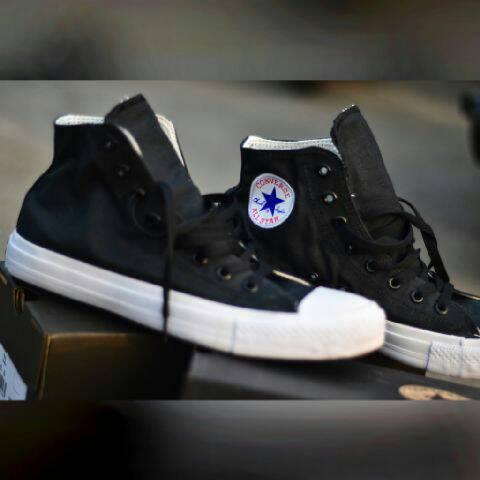 harga sepatu converse chuck taylor 2