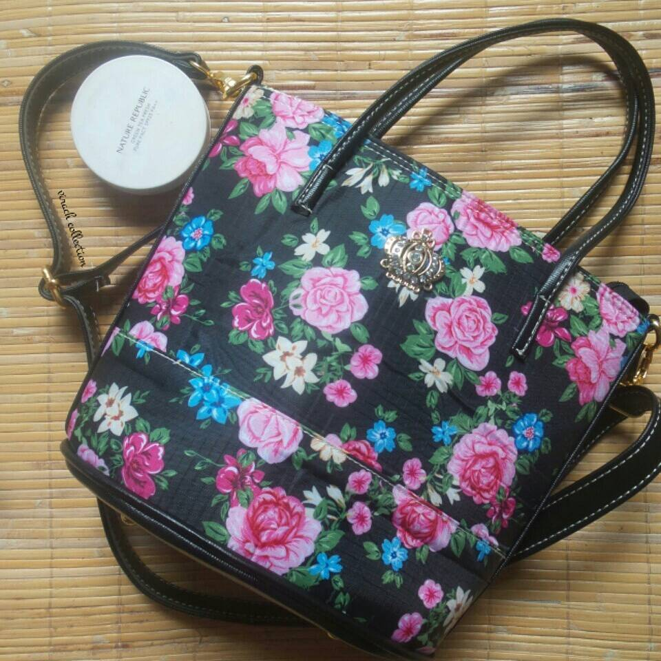 Sling bag tokopedia - Big Flower Sling Bag Slingbag