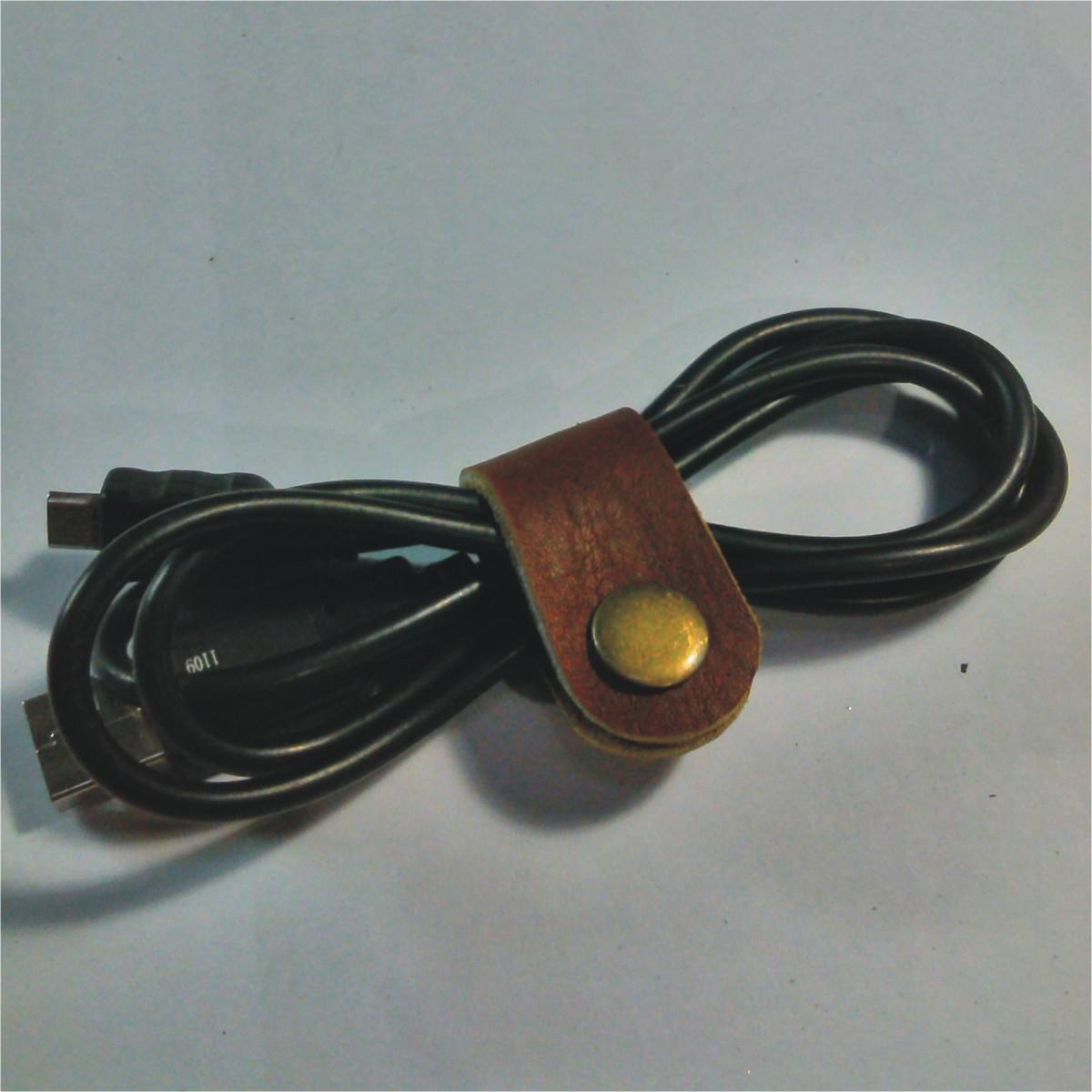 Jual Produk Ukm Klip Kabel Kulit Asli Leather Cable Clips Penjepit Earphone Clip Headset Blanja