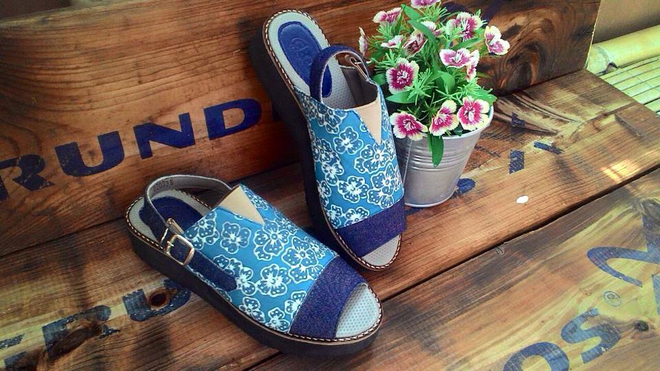 Diskusi Produk Arini Indigo Sepatu Batik DAT JogjaPlatform