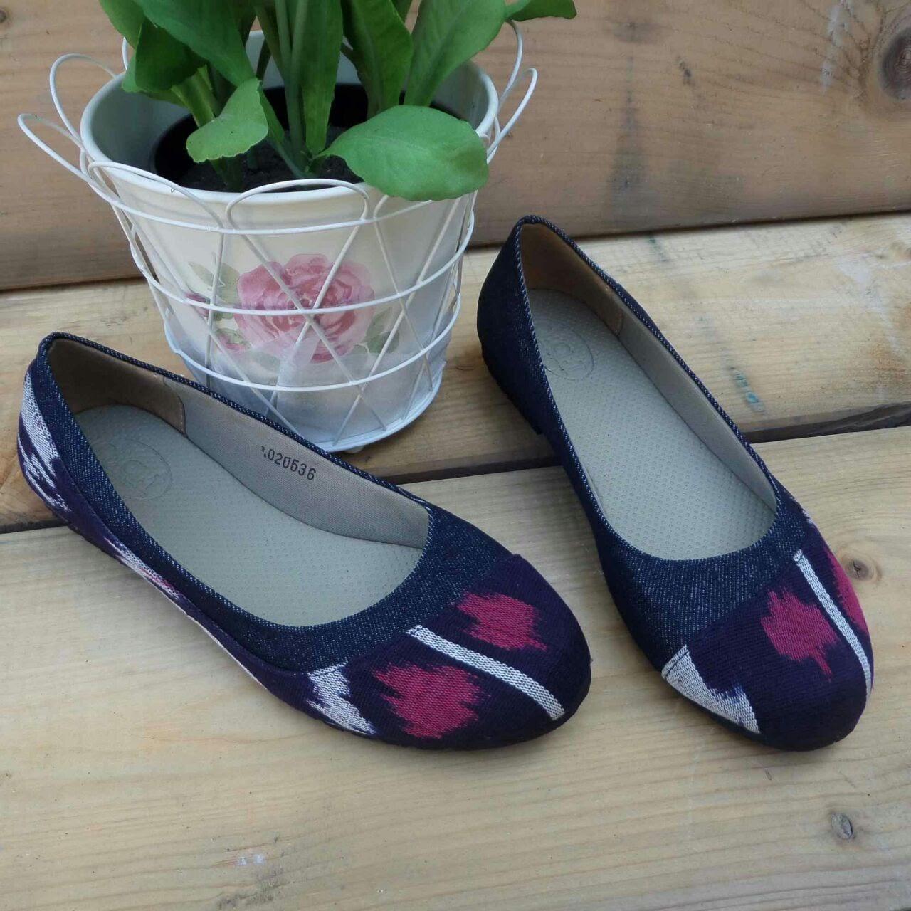 Jual Alanis Navy Sepatu Batik DAT JogjaFlatshoes  Rifina
