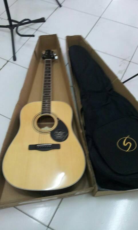 """harga Gitar akustik original """"Samick"""" Tokopedia.com"""