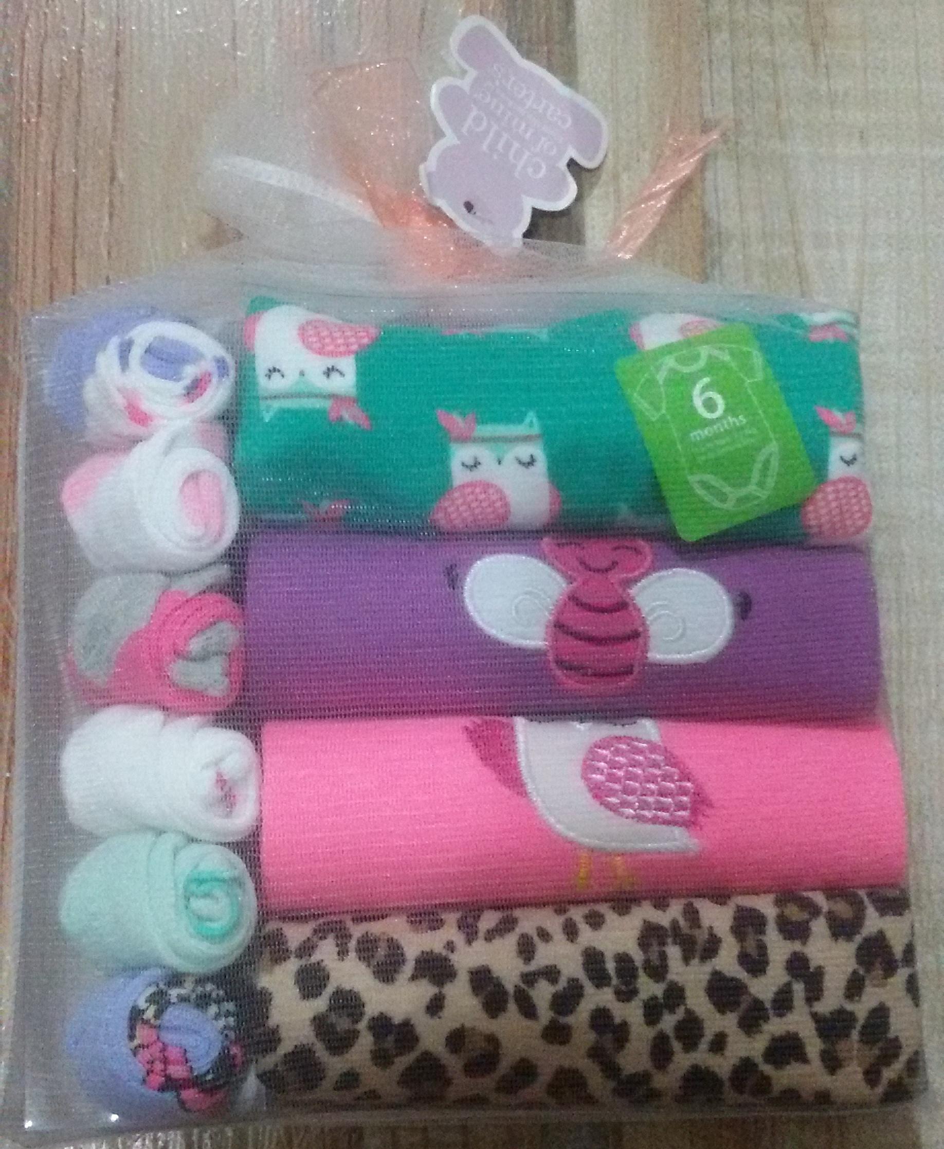 harga carter jumper gift set + kaos kaki Tokopedia.com