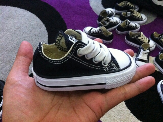 sepatu converse anak original
