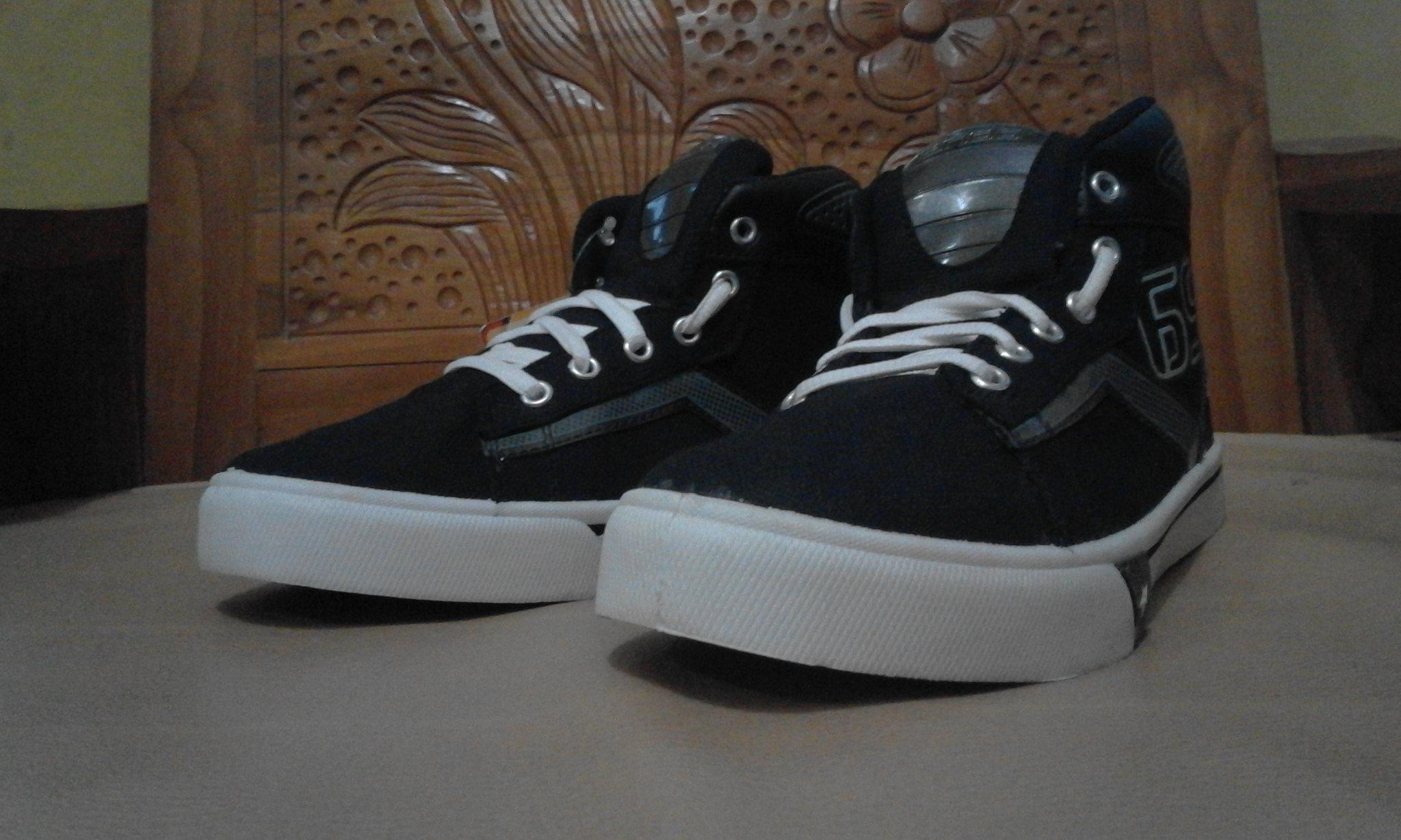 Ando New Prestige Sepatu Sekolah Anak Warna Hitam Putih - Daftar ... c7f706c2c4