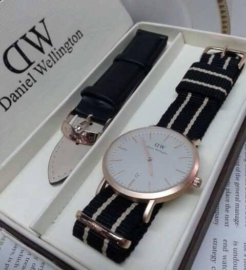 jam tangan daniel wellington paket