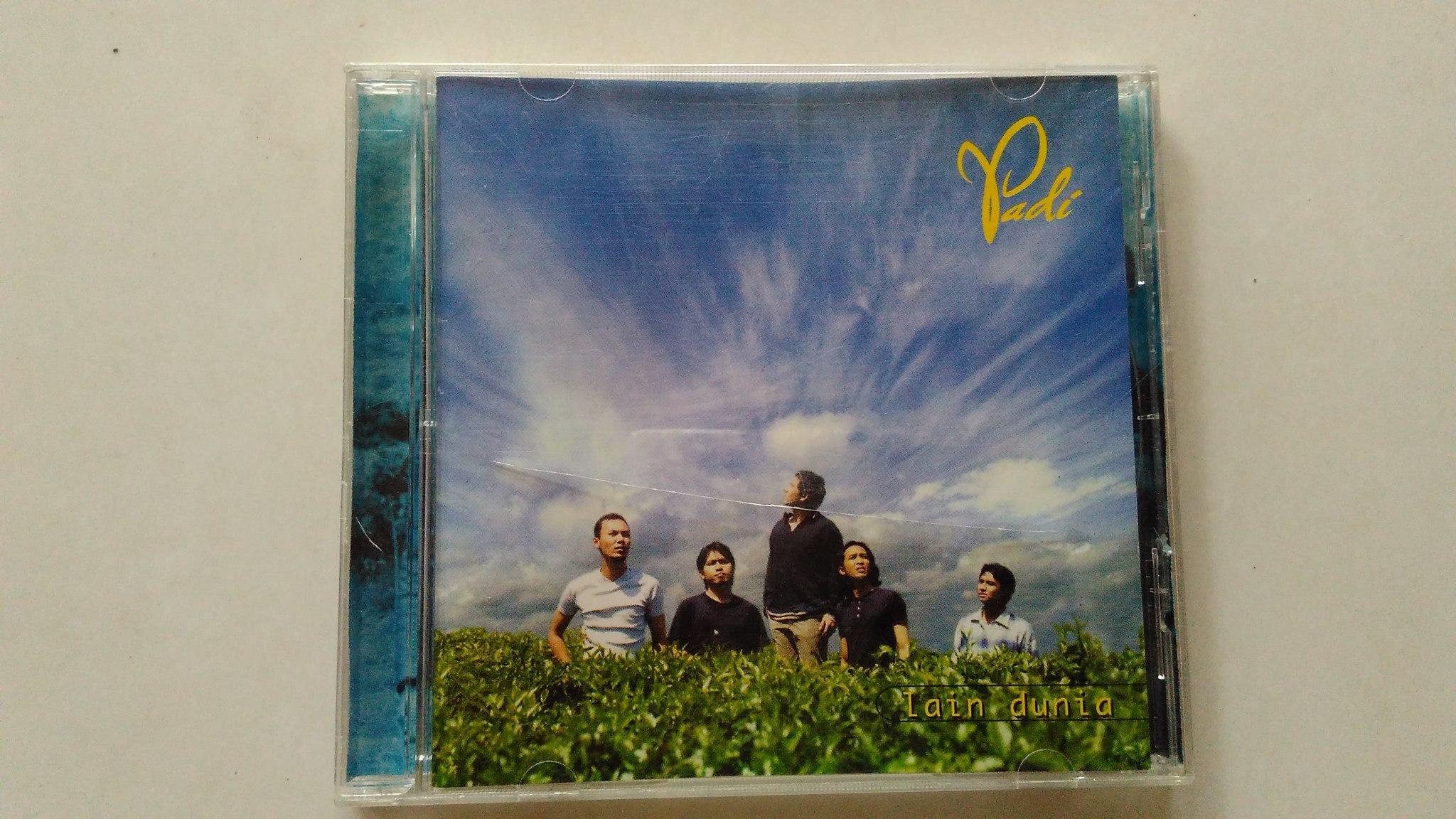 harga CD Lagu Padi - Lain Dunia Tokopedia.com