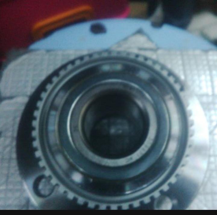 Laher roda BMW E30 depan