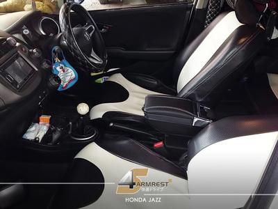 Armrest Universal Mobil Honda Jazz