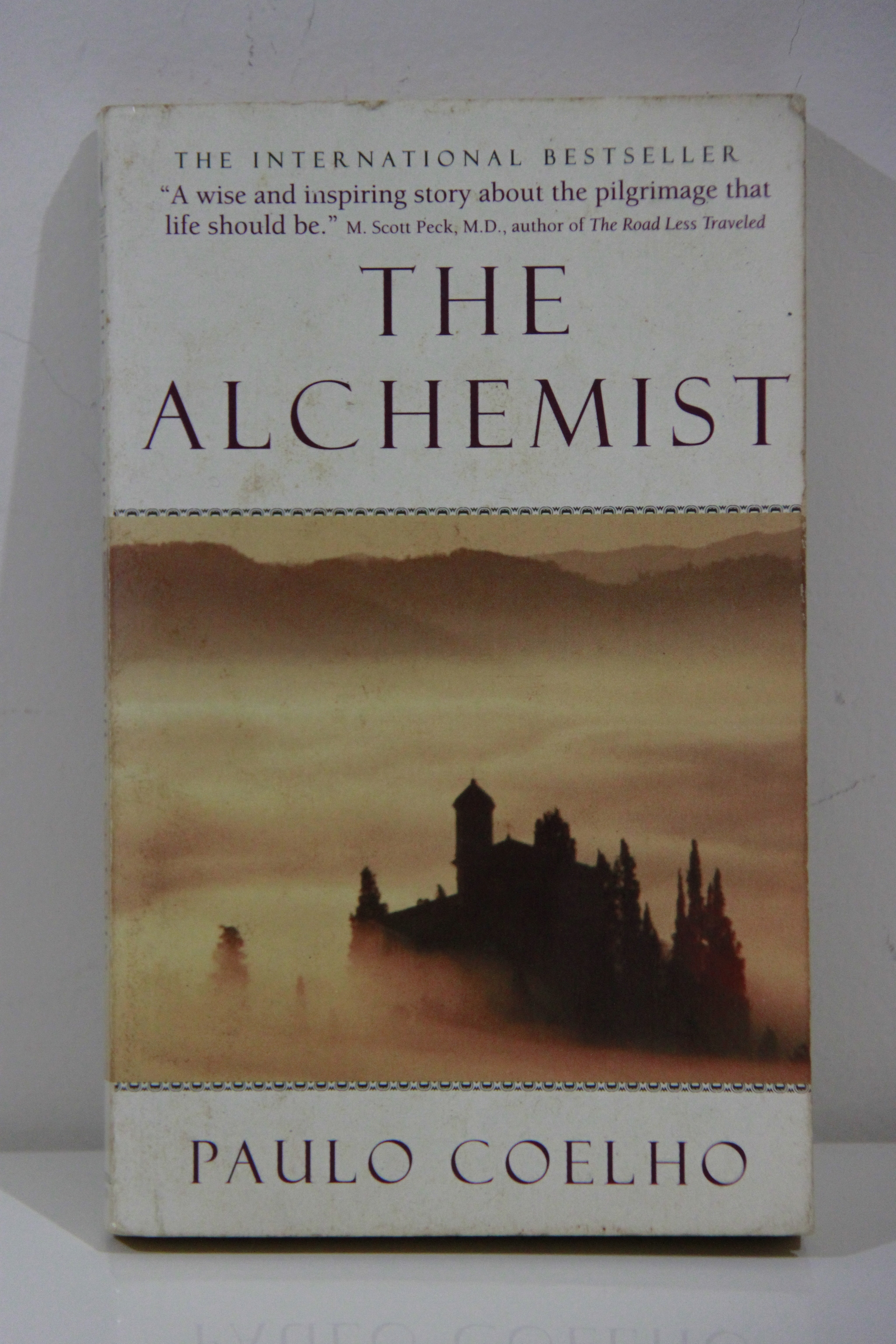 novel alchemist the alchemist lazada best ideas about alchemist  jual the alchemist paulo coelho english novel kios seken the alchemist paulo coelho english novel