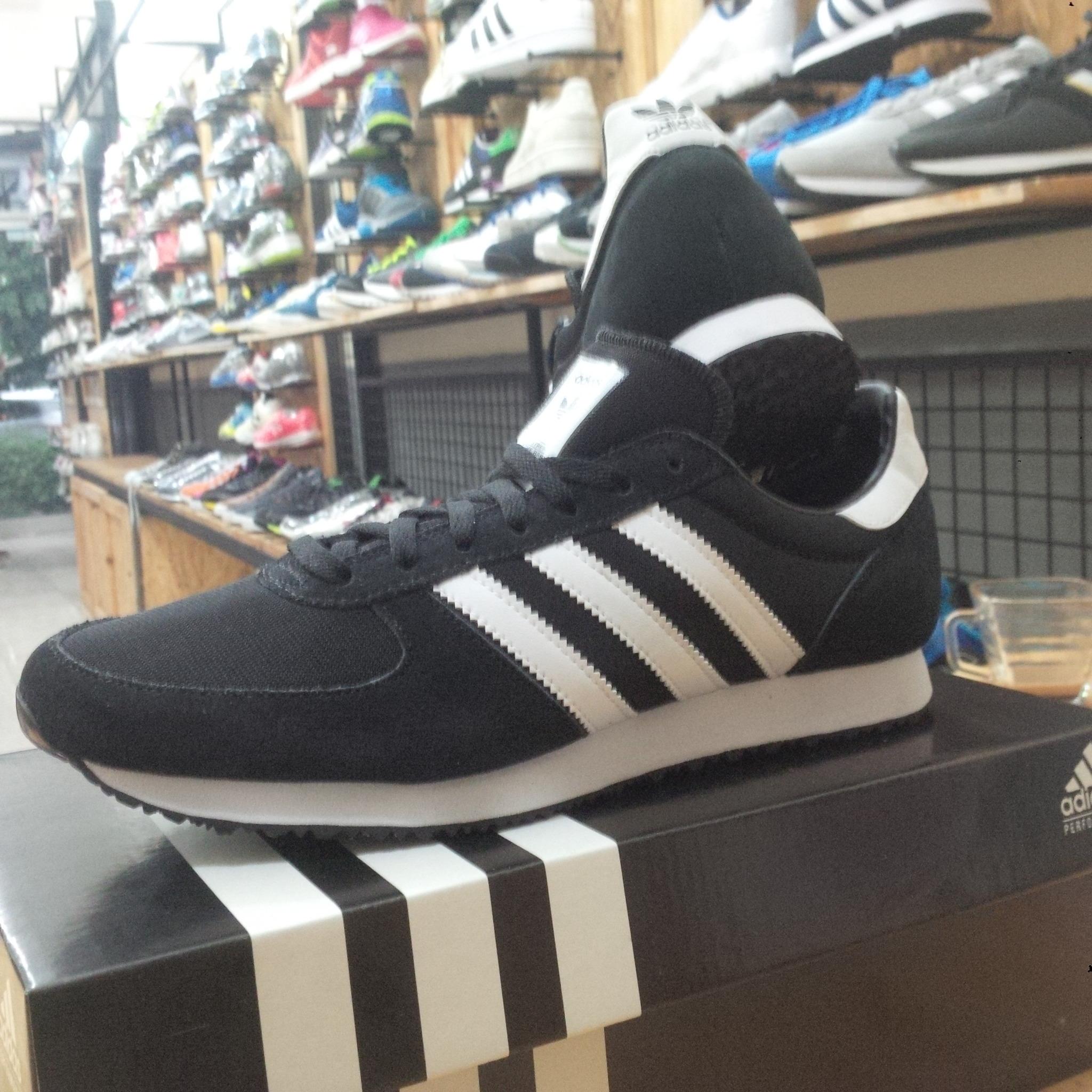 0a32af2d63bc5 ... best price sepatu adidas zx racer original . e78b1 0a7d3