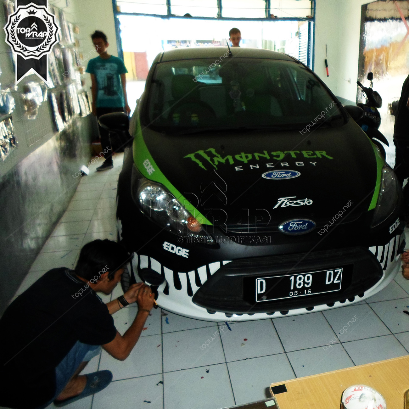 Gambar cutting sticker mobil monster energy