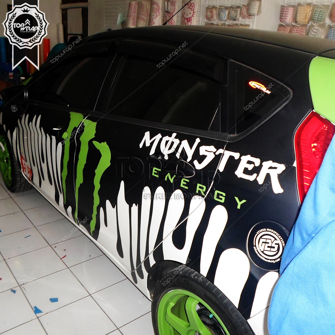 Jual wrapping sticker motif monster energy cutting stiker mobil