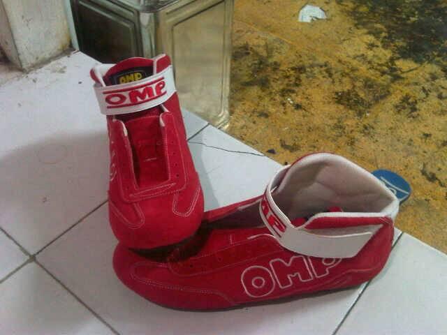 Sepatu Balap OMP