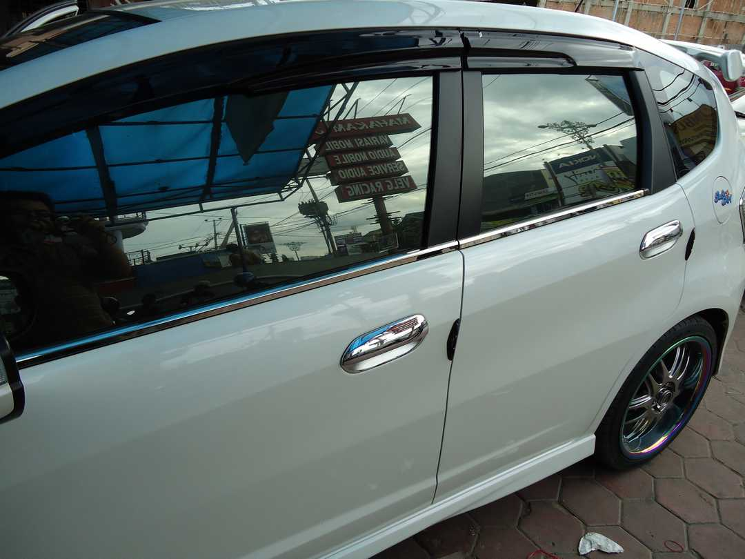 List Kaca Samping / Window Liner All New Jazz