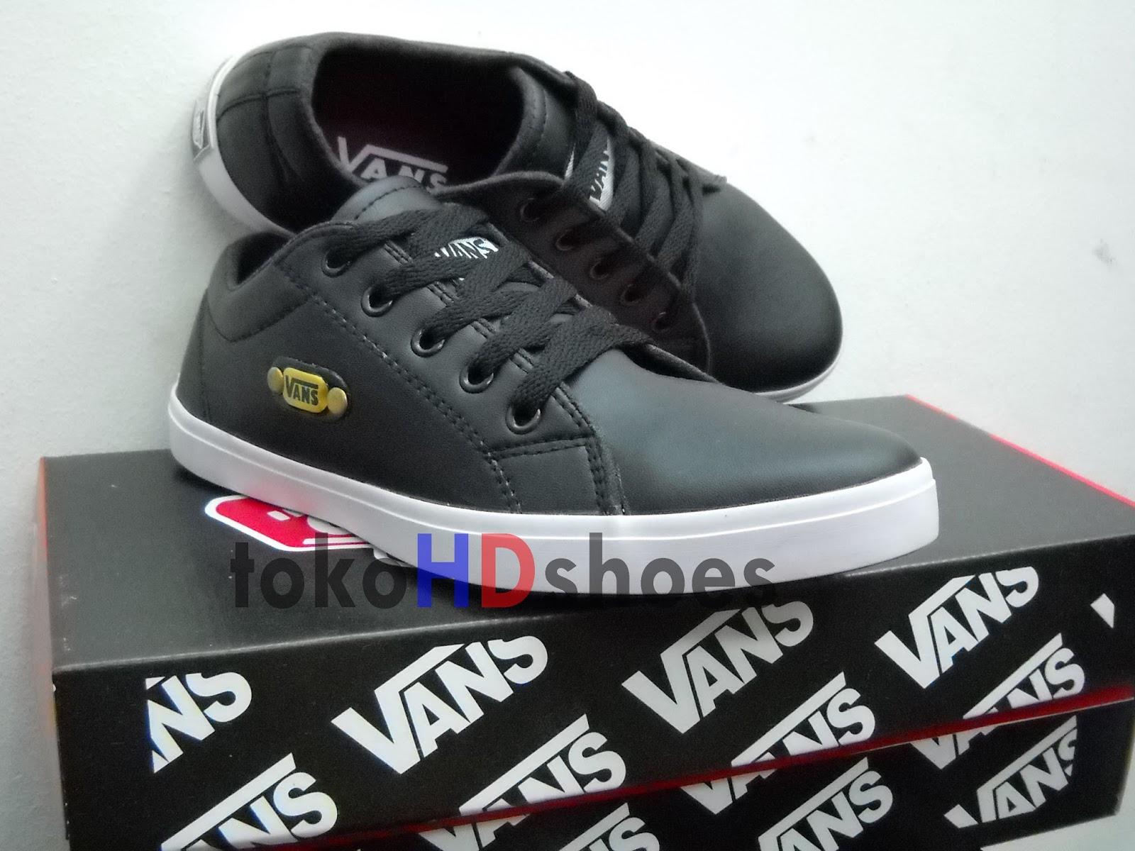 Jual Sepatu Vans Road Black - Toko sepatu HD shoes  7fadeca71f