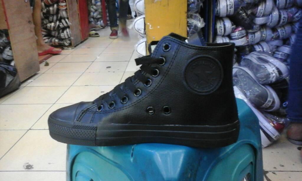 Jual sepatu converse kulit sintetis full black high murah + box ... 6d105f897