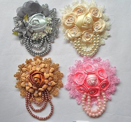 pin bross hijab bunga mutiara