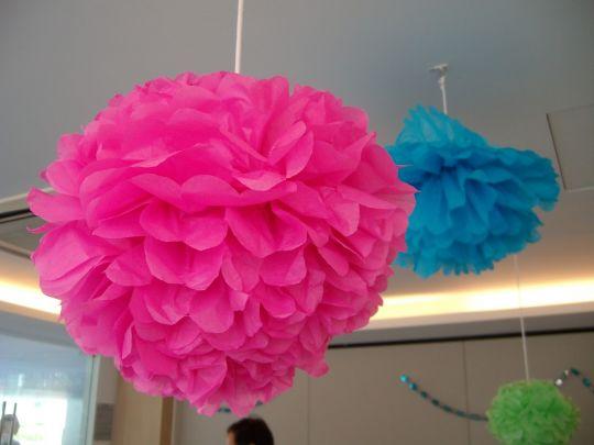 Jual Pom pom bola dekorasi / bola bunga kertas krep - in's