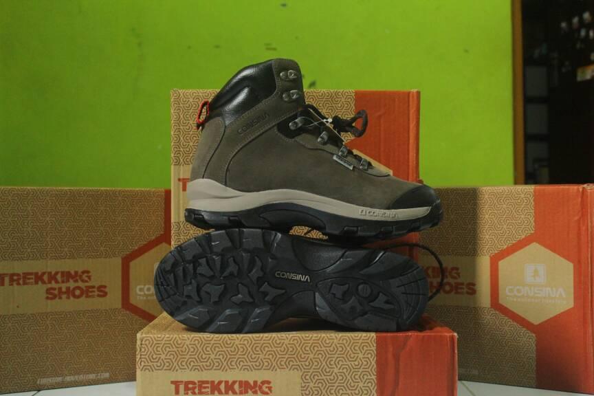 Jual Sepatu Trekking   Sepatu Gunung Consina Ramble series ... 078b2e6370