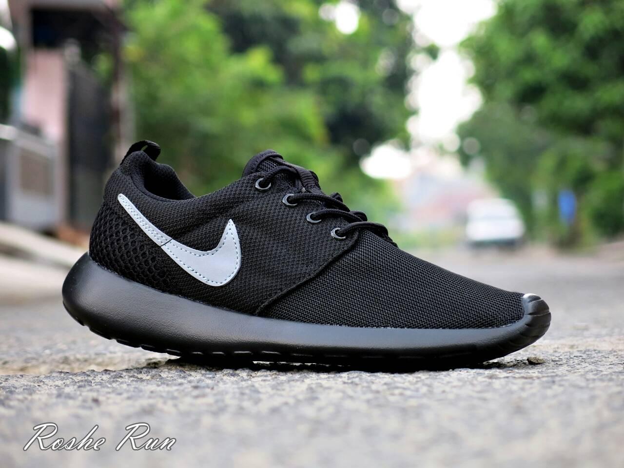 36b4496a54e33 ... top quality jual sepatu sport nike roshe run hitam abu abu olahraga  running joging lapak sepatu