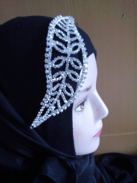 Bross Hijab Daun Permata Aksesoris Hijab