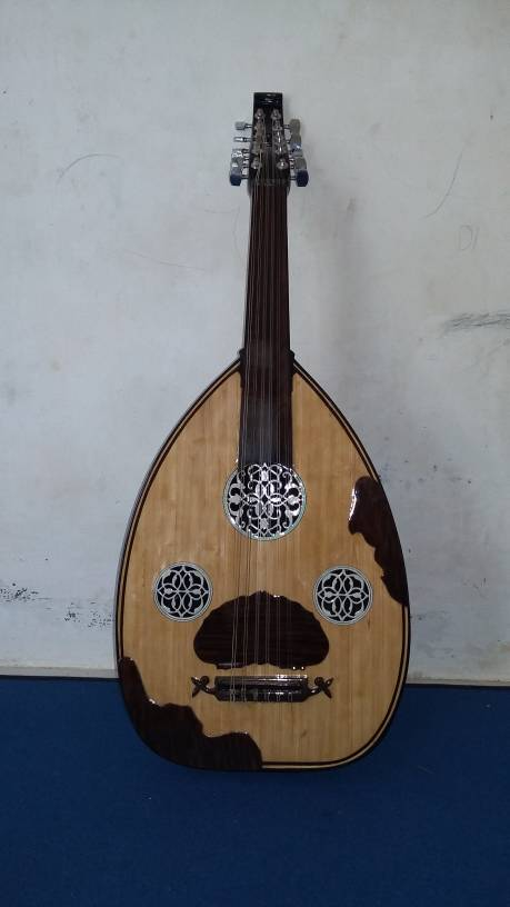 Alat musik classic - alat musik tradisional-gitar oud