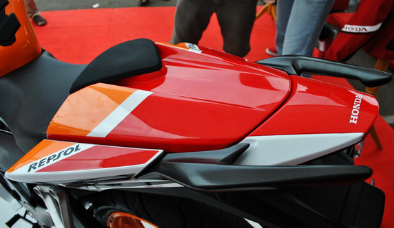Repsol Single seater Cover Jok Aksesoris Honda CBR150R Original CBR1
