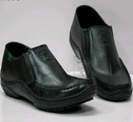Jual Sepatu kulit pria kickers / kerja pantofel casual