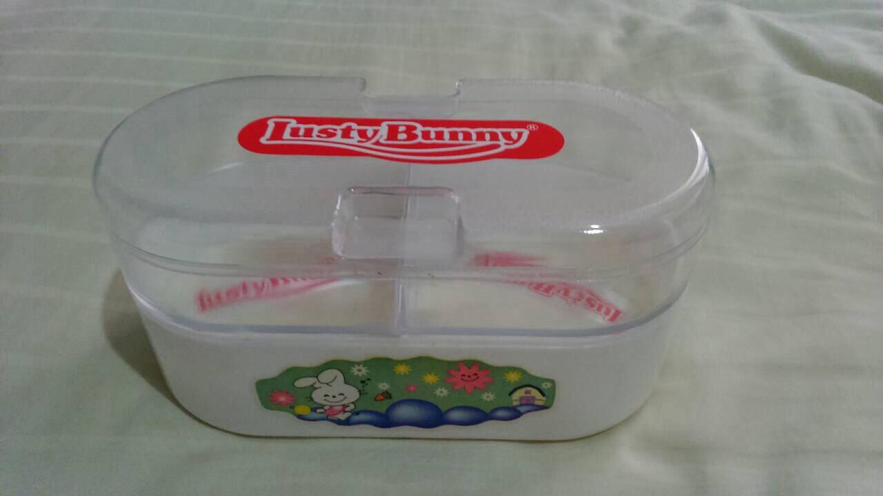 Lusty Bunny Tempat Bedak Bayi Sabun Bening Hijau Muda Lustybunny Oval Case Tb 1603 Merah Jual Kapas Cotton Bud Mommy S Closet Tokopedia