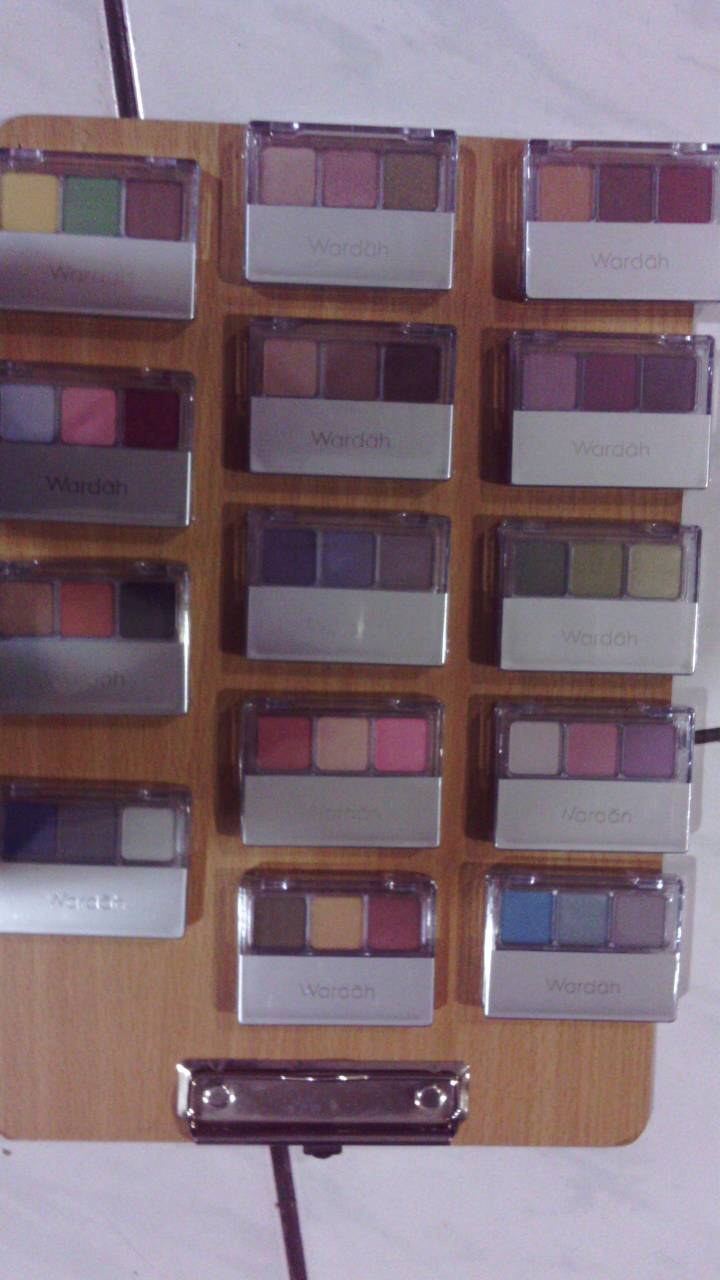 ... Jual Wardah Eye Shadow