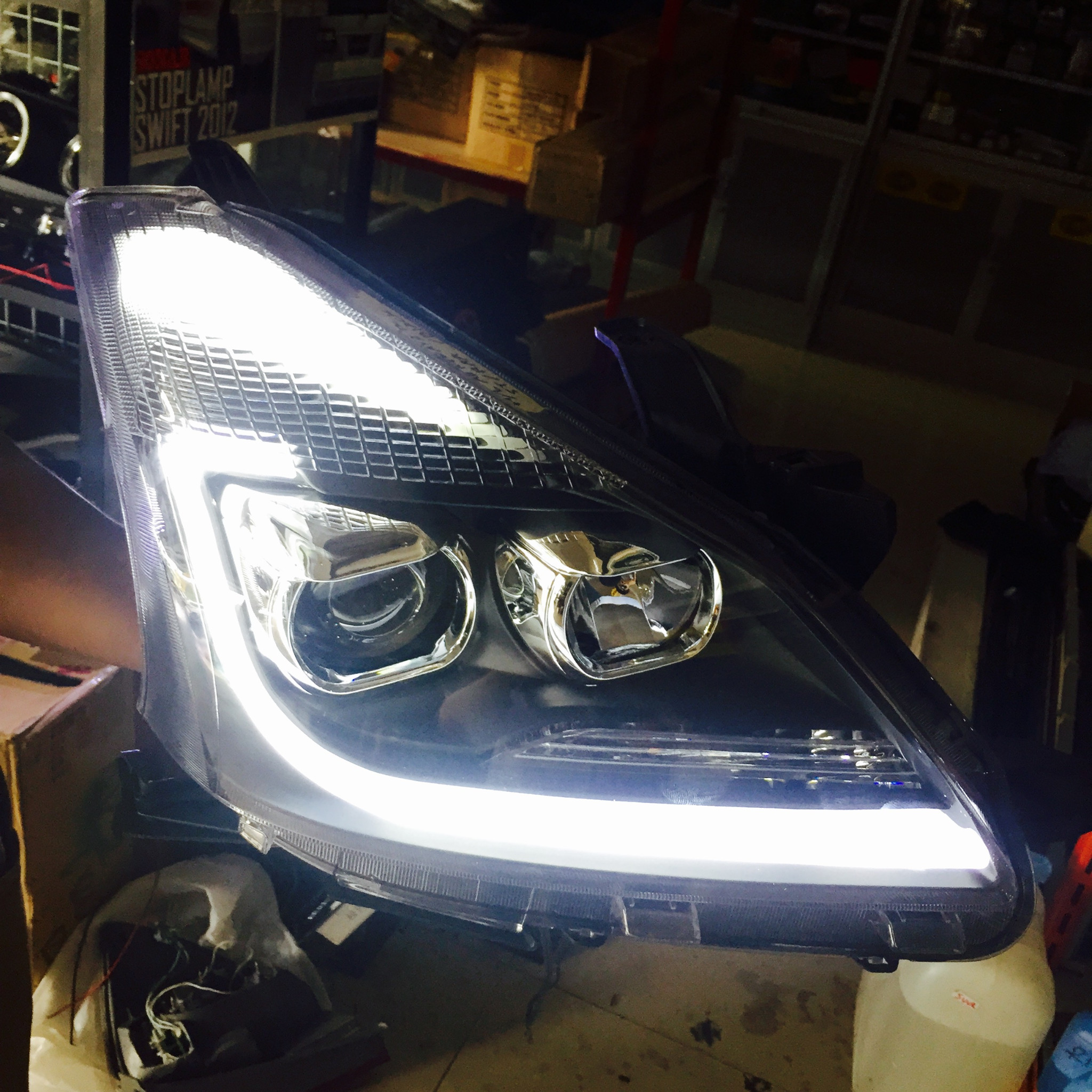 Modifikasi Lampu Depan All New Avanza