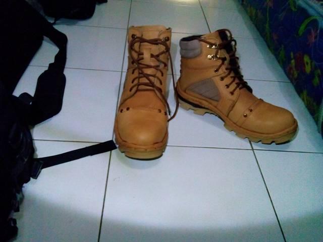 Harga Jual Dozzer Safety Shoes Dr212t1 Murah di Kab. Bandung   Pricepedia.org