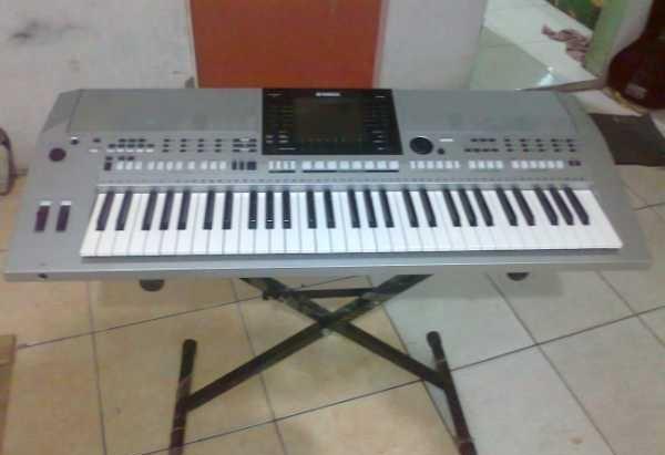 Jual keyboard yamaha psr s900 madi santoso tokopedia for Psr s900 yamaha