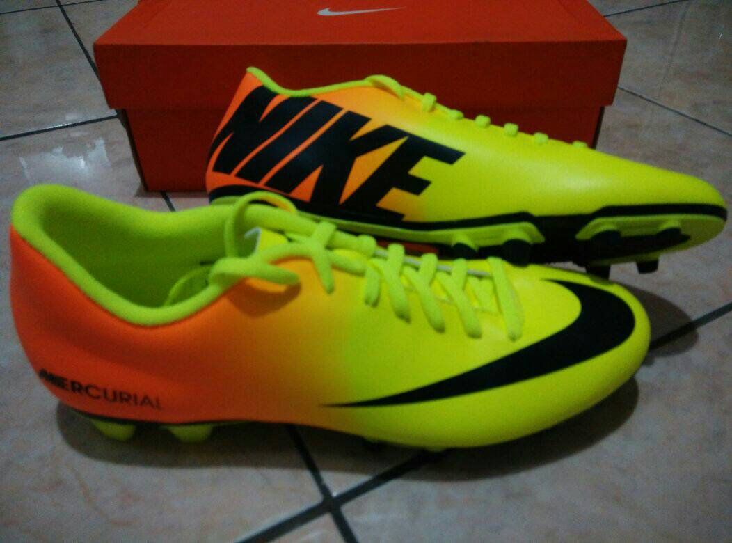 Jual Nike JR Mercurial Vortex FG-R Size 35. Sepatu Bola Anak ... 2d11a3f32d