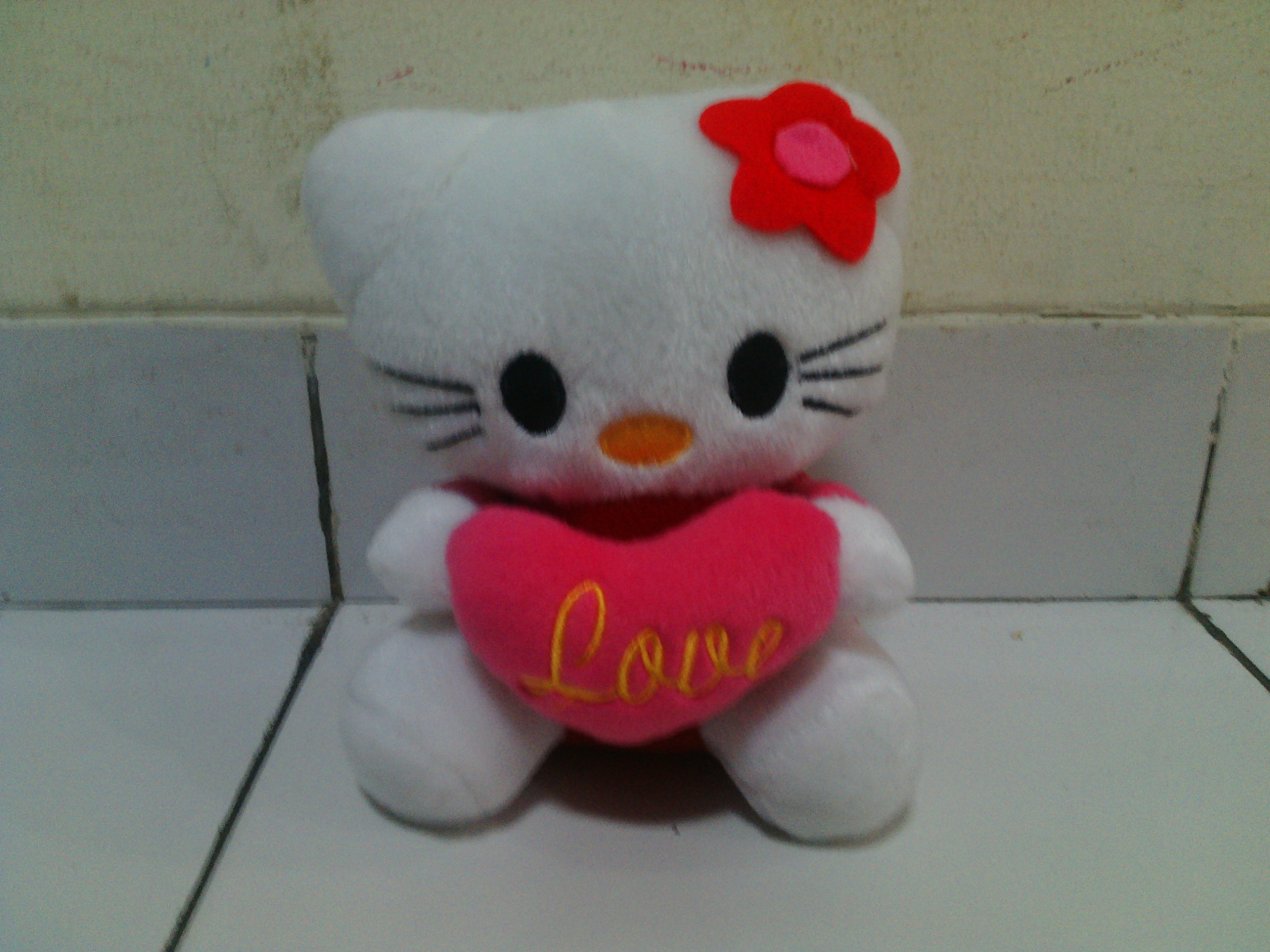 boneka hello kitty love cocok untuk kado pacar ulang tahun, valentine