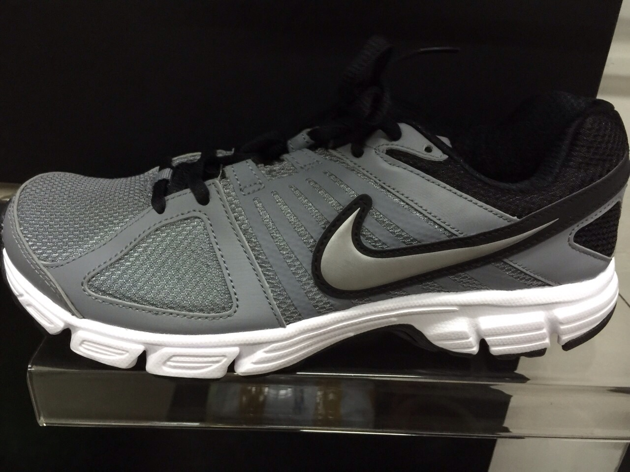 sepatu jogging nike original