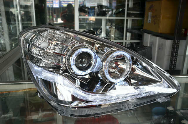 harga Headlamp Avanza Xenia 07-11 Projector Halo Rim Crystal Chrome Tokopedia.com